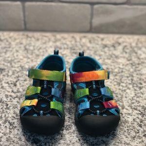 Keen sandals size 7